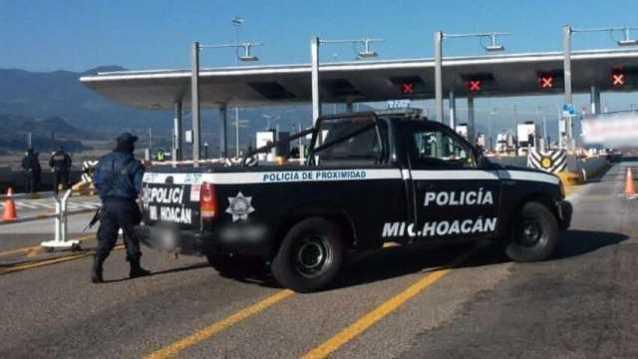 Policia Michoaccan caseta