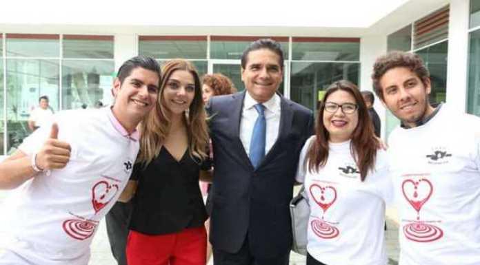 Silvano Aureoles donacion sangre