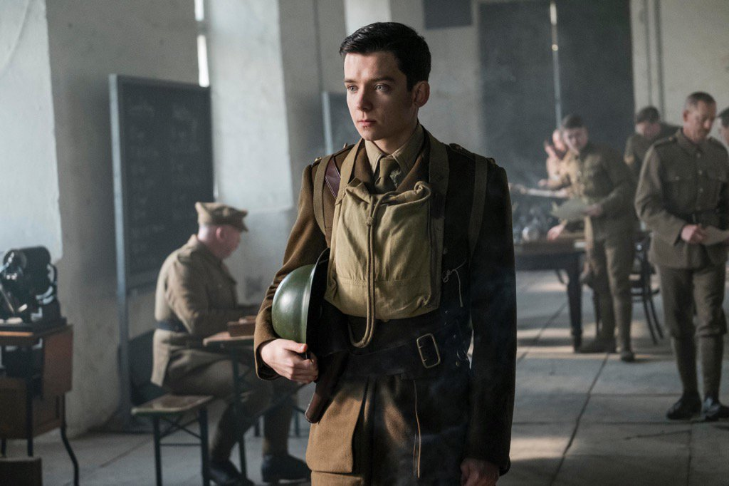 Asa-Butterfield-in-Journeys-End
