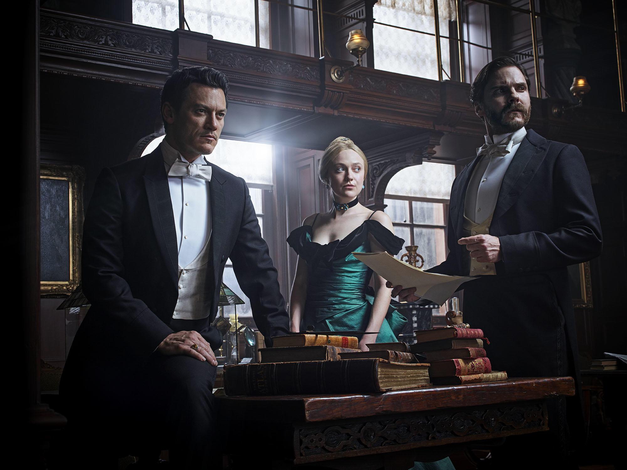Alienist-Promo-Still-16-The-Main-Investigators.jpg