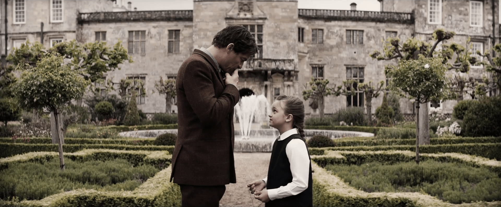Lord_Croft_and_Young_Lara_Infront_of_Croft_Manor.png