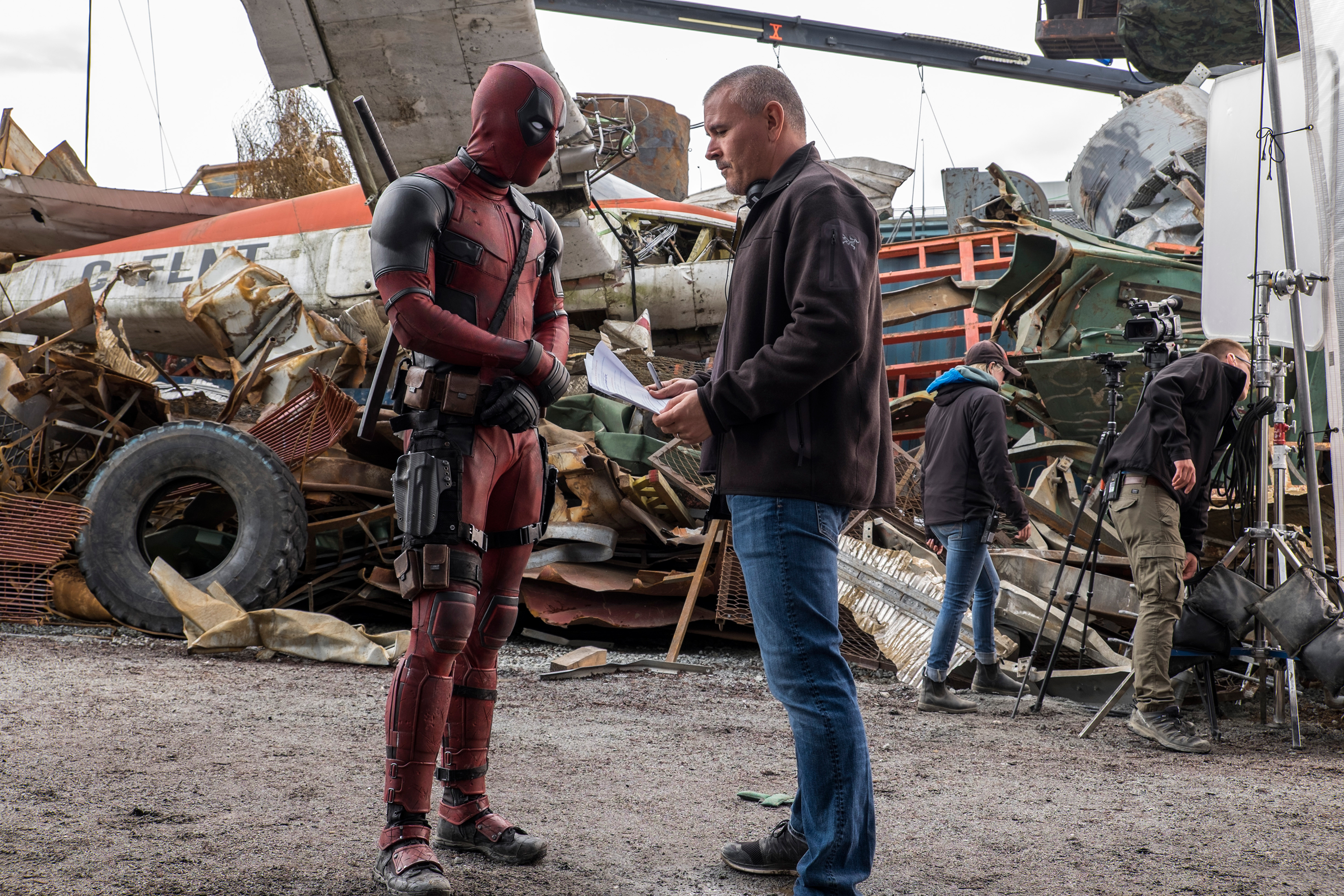ryan-reynolds-tim-miller-deadpool-movie-image