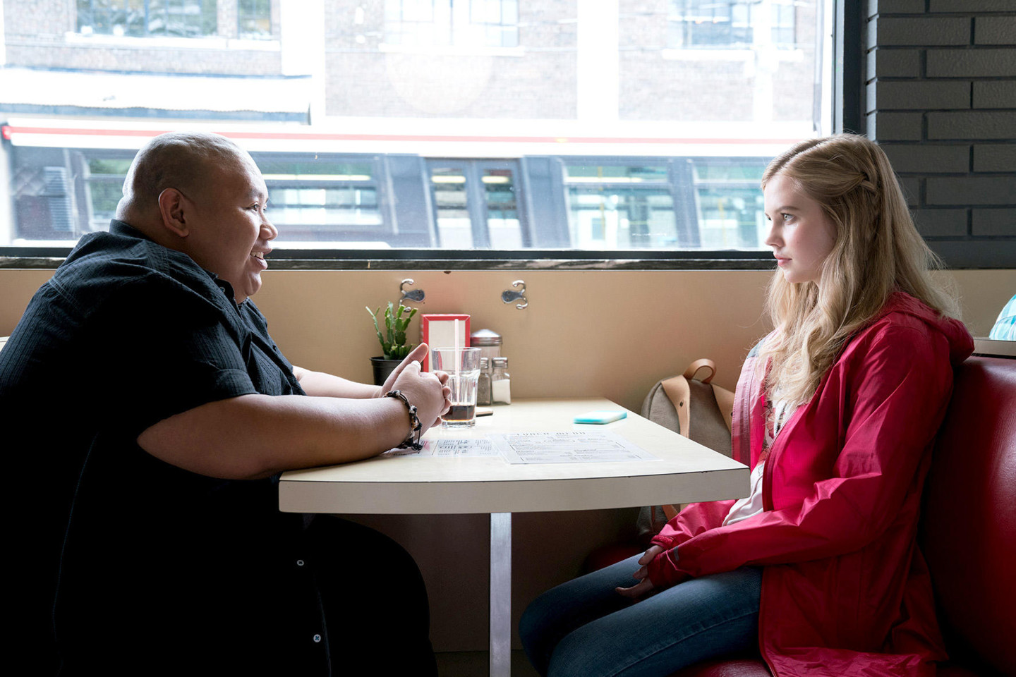 debby-ryan-angourie-rice-every-day-2018-movie-poster-and-stills-3.jpg