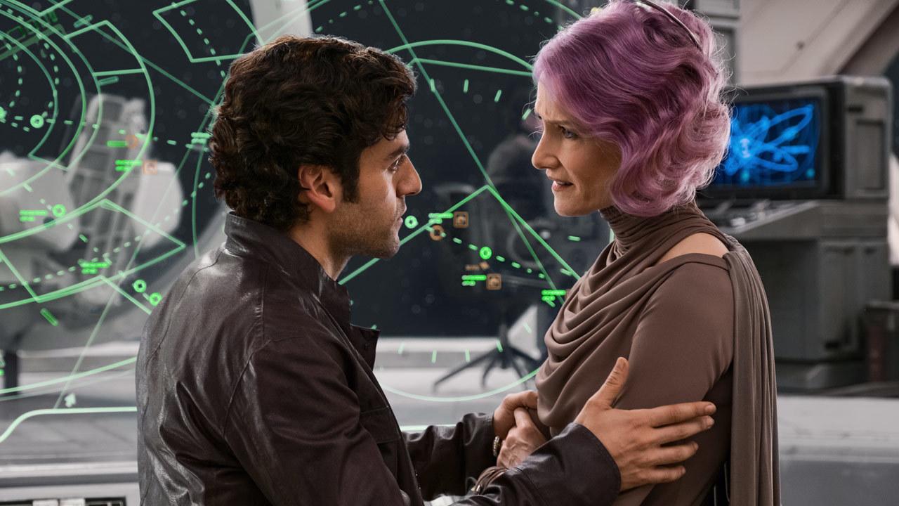 Poe_meets_Holdo