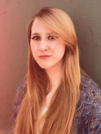 4B Íntimo: Entrevista a la escritora Julina Hessen