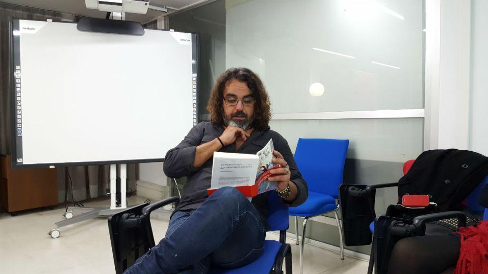 Nacho Albert en la presentación en Granada de Un Quijote en la Habana. Foto: Celia Andreu