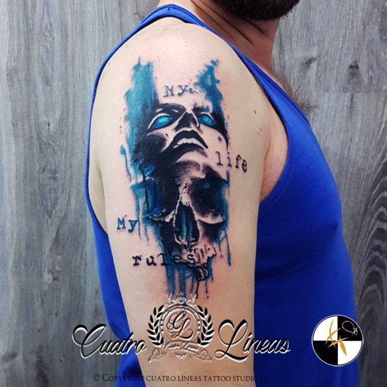 Calavera estilo Trash Polka en Cuatro lineas tattoo carabanchel madrid