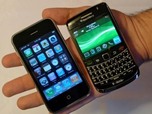 Blackberry y Iphone para las redes sociales