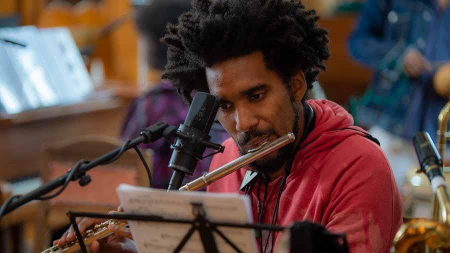 "Regis Molina - Flöte, Altsaxophon, Basssaxophon bei ""The Cuban Orquesta"""