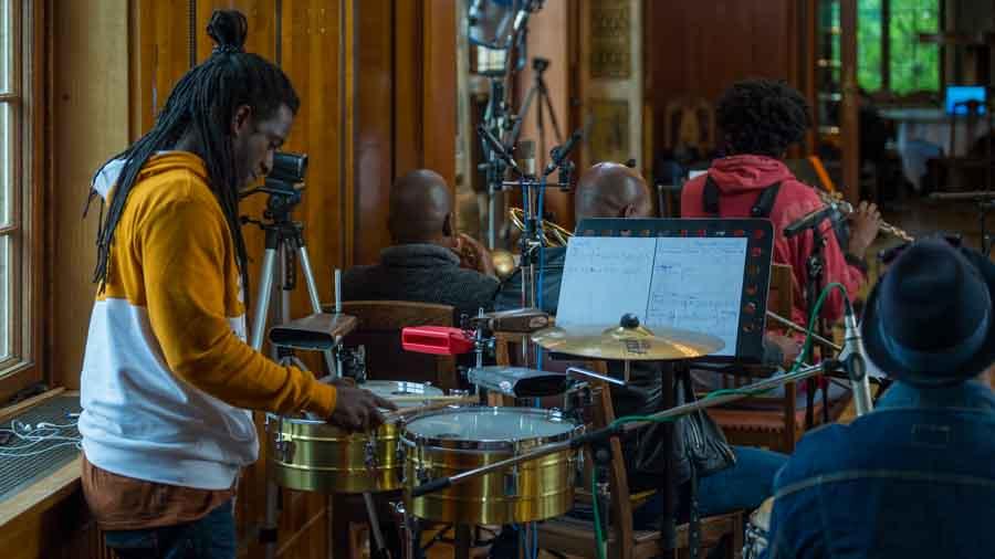 Reinier Ceruto Zaldivar - Percussion Bei