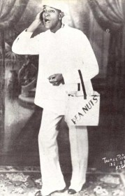 Antonio Machin c la lata de mani