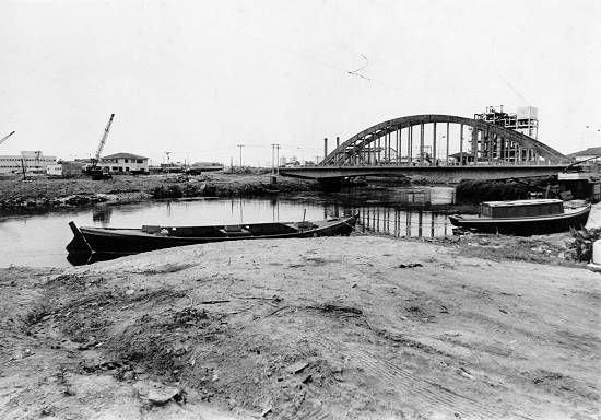 A ponte que quase afundou. cfoto007j