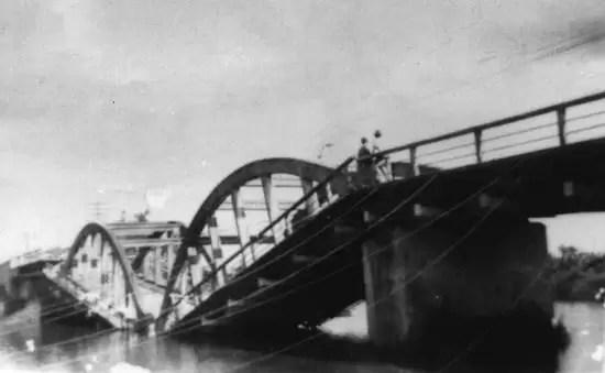 A ponte que quase afundou. cfoto007l
