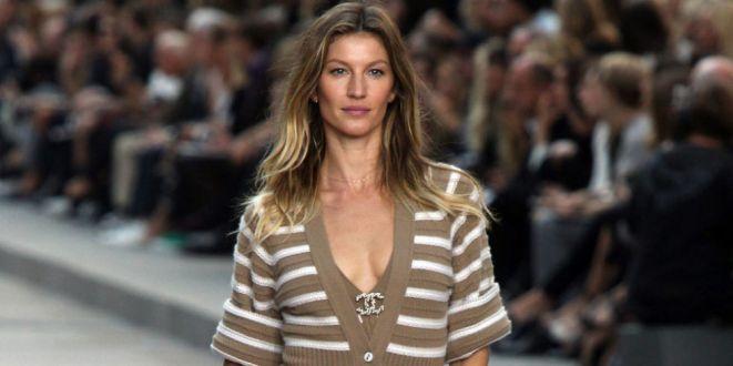 Modelo de Chanel en el desfile del Paseo del Prado
