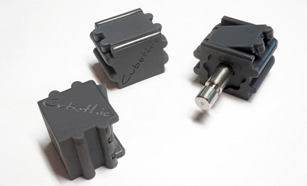 Connecteurs cubethic, permettant des assemblages sans outils