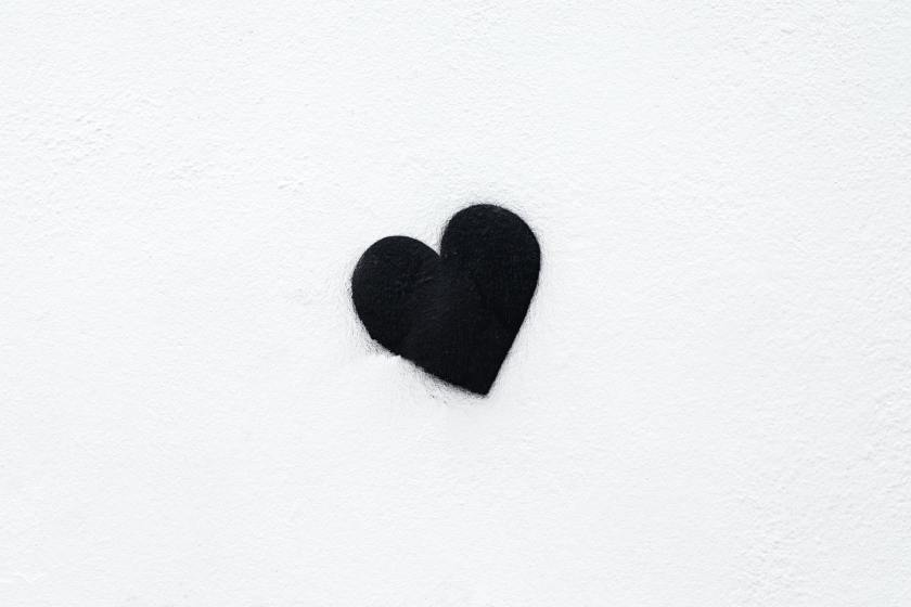 Black heart street art