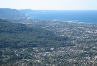 australia-wollongong-by-michelle-begley-view-of-wollongong-from-mt-keira-2005