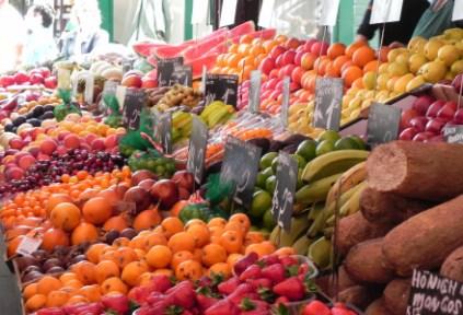 austria-vienna-by-sarah-grimsdale-naschmarket-spring-2011-41