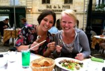 bordeauxgs_by-tom-zeiler-eating-escargot-like-a-french-person