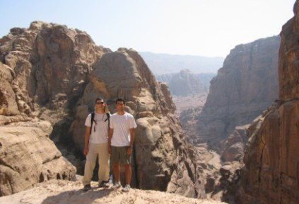 jordan-by-ari-adler-students-on-a-hike-20051