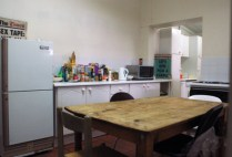 south-africa-cape-town-by-g-r-davis-kitchen-area-in-student-home-2009