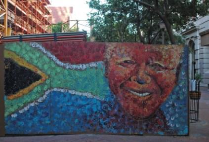 south-africa-cape-town-by-g-r-davis-mandela-on-a-construction-barricade-2009