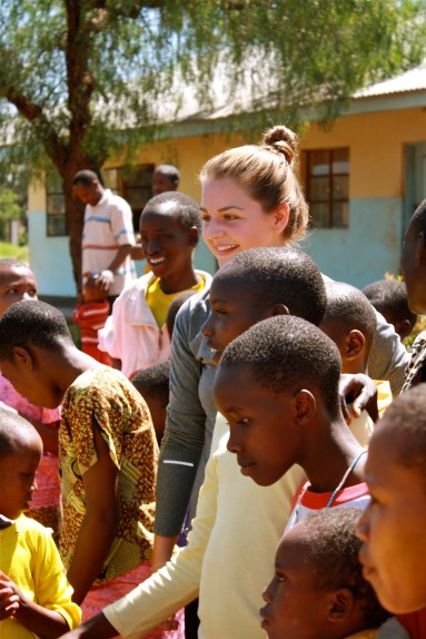 tanzaniags_by-megan-barrie-student-and-local-children-2012