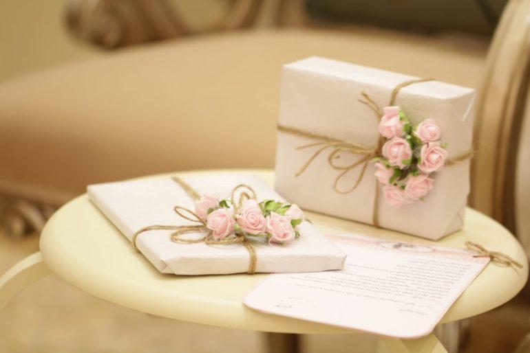 wedding gifts - wedding favours - wedding favour ideas - wedding gift ideas