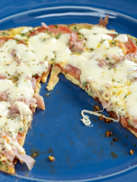 Omelete de tomate e queijo