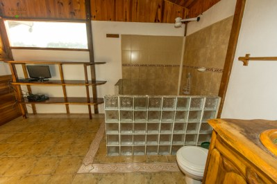 Playa Hermosa House Bathroom