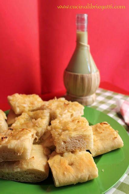 Focaccia con lievito madre alle cipolle