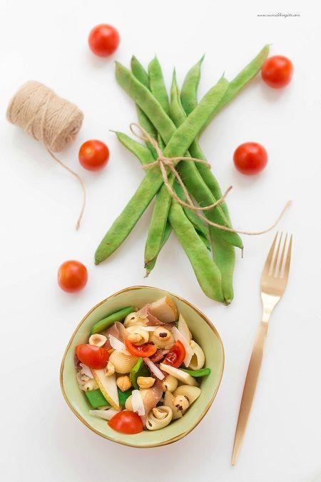 Insalata di pasta con speck e taccole