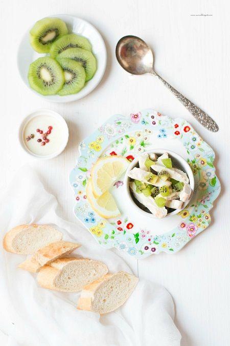 insalata di pollo fredda e kiwi