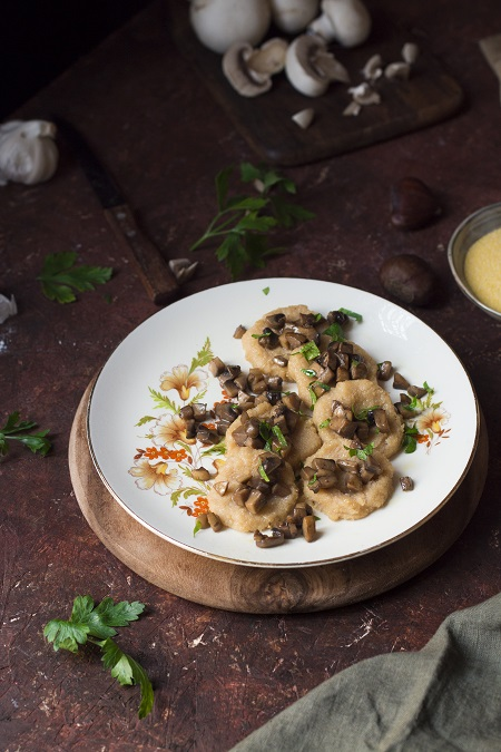gnocchi di semolino e castagne