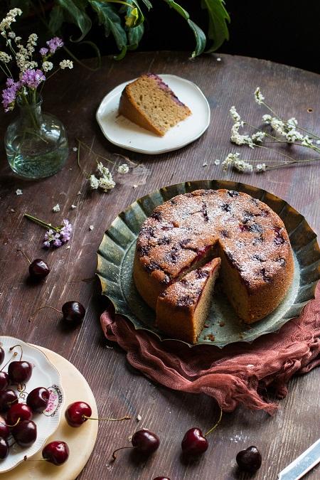 torta di ciliegie fresche