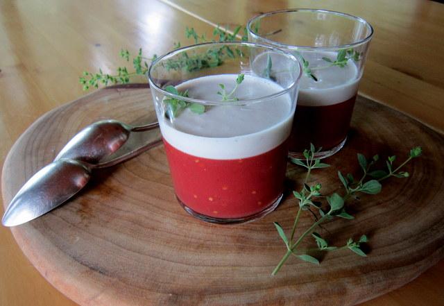 Gelatina di pomodoro crudo con salsa allo scalogno.