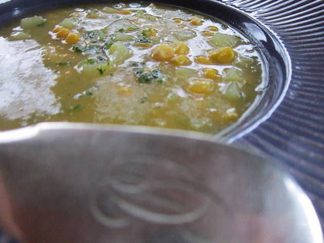 Mais e patate, una zuppa senza grassi e del tutto improvvisata