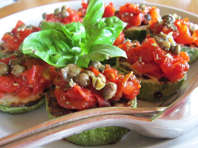 Pizzette di zucchine: un'idea per far mangiare le verdure ai bambini!