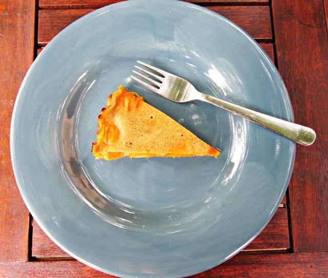 Clafoutis di albicocche. Un dessert non troppo dolce e molto digestivo