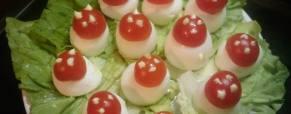 Sono uova o funghetti??? (foto)