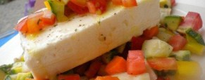 Feta su tartare di verdure