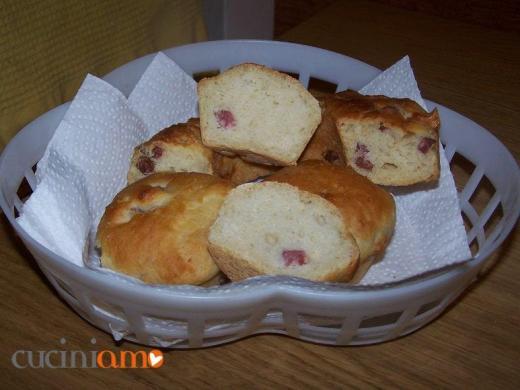 Muffin con salame e patate
