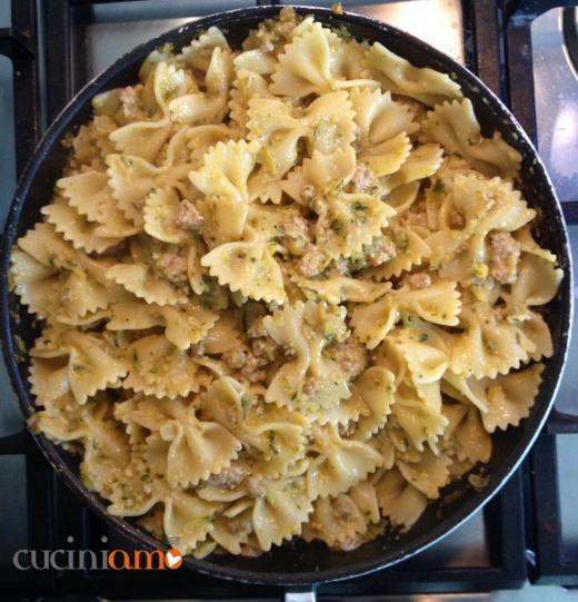 Pasta con vellutata di zucchine