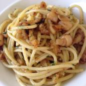 Spaghetti piccantini ai calamari e mollica