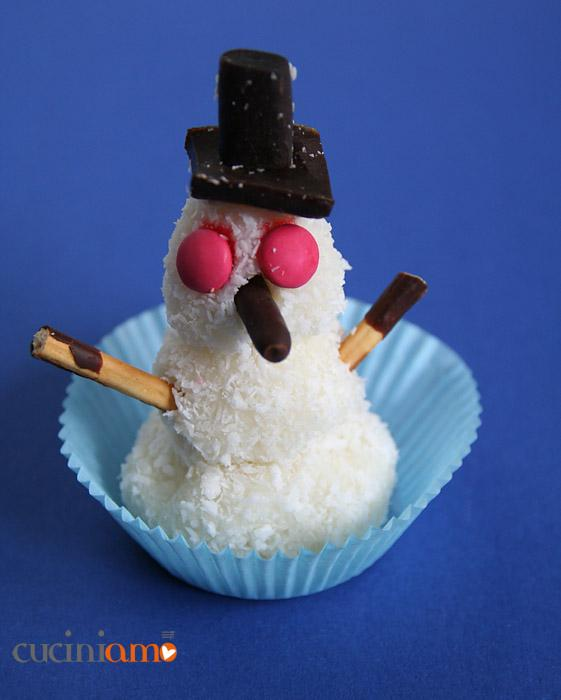 Omino di neve dolce al cocco
