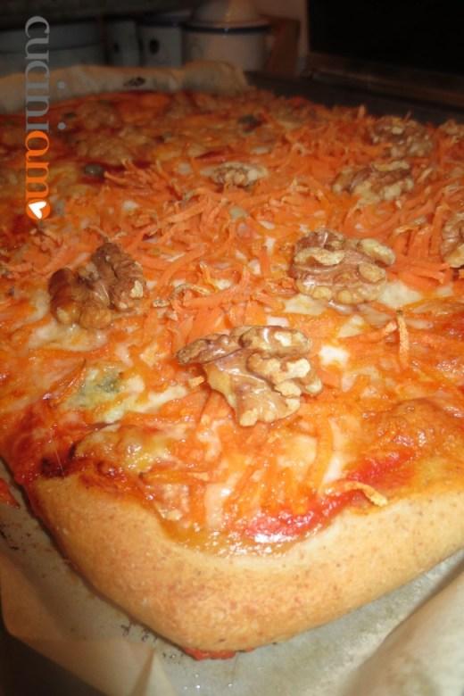 Pizza bi-gusto con pasta madre