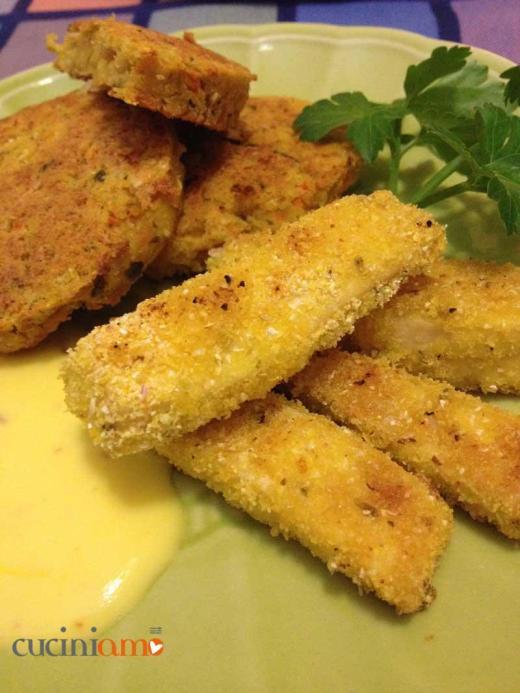 Bastoncini di tofu impanata in farina fioretto