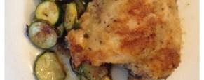 Pollo croccante al forno con zucchine