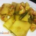 Paccheri con crema di asparagi e gamberi