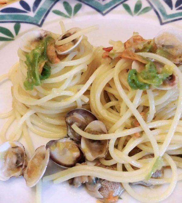 Spaghetti alle vongole e fiori di zucchina